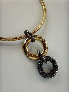 pave circle collar